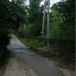 Thaimaalaista sähkötyötä parhaimmillaan, kotikujaltamme.
