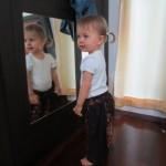Välillä täytyy kurkkia, kuinka nätti tyttö sieltä peilistä katsookaan ;)